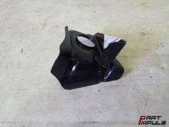 Кронштейн радиатора нижний правый Mitsubishi Outlander CW0W