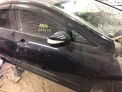 Продам переднюю правую дверь Honda Civic FD1