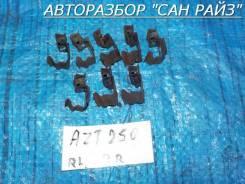 Пружина прижимная тормозной колодки задняя комплект Toyota Avensis AZT250 04948-05010