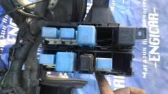 Блок реле под капот Nissan Wingroad