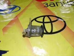 Бачок гидроусилителя руля. Toyota Corolla Fielder, ZZE122, ZZE122G, ZZE123, ZZE123G Toyota Corolla, ZZE122, ZZE123, ZZE123L 1ZZFE, 2ZZGE, 1ZZFBE