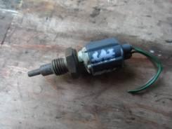 Датчик температуры Toyota Kluger ACU25 4WD 2AZ-FE