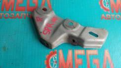 Кронштейн переднего бампера правый Toyota Sprinter #E11#