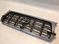 Решетка радиатора (оригинал) на Toyota LAND Cruiser