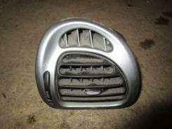 Решетка вентиляционная. Citroen Xsara Picasso, N68 EW10J4, EW7J4, TU5JP