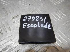 Заглушка буксировочного крюка Cadillac Escalade 10364707