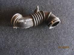 Патрубок воздушного фильтра toyota 17881-22080