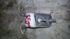 Крепление двери Toyota Sprinter CE100, 2C