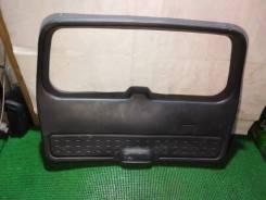 Обшивка двери багажника Jeep Grand Cherokee WJ 1998-2004