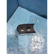 Разьем КИА Сид 2 Kia Ceed 2 2012 USB