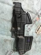 Дефлектор радиатора правый Toyota Camry acv40