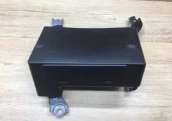 Блок навигации с HDD 86841-47070 Toyota Prius NHW20