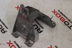 Кронштейн опоры двигателя. Suzuki Escudo, TA74W, TD54W, TD94W Suzuki Grand Vitara, TD941, TD943, TD944, TD945, TD947, TD94V, TE941, TE943, TE944, TE94...