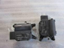 Комплект моторчиков заслонок отопителя VW Touareg 2002-2010