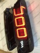 Стопы (задние фонари) Toyota Hiace 200 2005-2015 черный темный