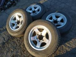 Bridgestone BLIZZAK DM-V1 215/70R16
