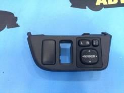 Кнопка управления зеркалами , Toyota Wish 2003 года, ZNE10