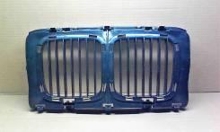 Решетка радиатора (ноздря) - BMW 5 series ) 1988-1995  