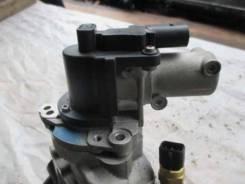 Клапан рециркуляции выхлопных газов Hyundai Santa Fe 2.2 D4HB на корпусе термостата (не снимается) пробег 5 тыс