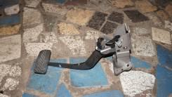 Педаль тормоза. Nissan Cedric, HY34, MY34 Nissan Gloria, HY34, MY34