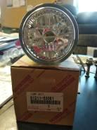 Prius туманка правая 81211-52061 toyota