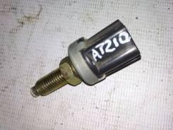 Концевик под педаль тормоза Toyota Carina AT210