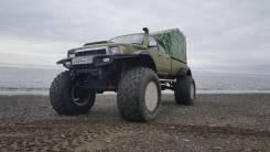 Toyota. Снегоболотоход hilux, 3 000куб. см., 1 000кг., 1 800кг.