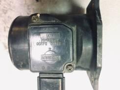 Датчик расхода воздуха Nissan Bluebird U14