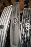 Решетка радиатора Toyota Hiace Regius KZN40