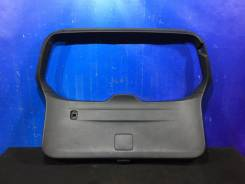 Обшивка крышки багажника Subaru Forester SJ S13