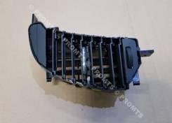 Дефлектор воздушный центральный левый Renault Kaptur
