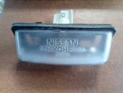 Фонарь освещения номерного знака Nissan 265109Y00A 265109Y000