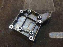 Кронштейн компрессора кондиционера FPDE Mazda