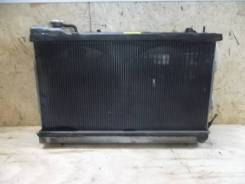 Радиатор охлаждения двигателя на Subaru Forester SG5 2002-2007г