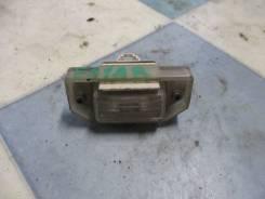 Плафон подсветки номера Mitsubishi Diamante F31A 1995 ЗАД.