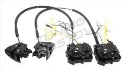 Доводчик двери. Lexus: HS250h, LX450d, CT200h, RX450h, RX350, RX270, IS250, GX460, GS250, ES250, NX300, LS460, NX200, LX570 Toyota RAV4, ACA30, ACA31...