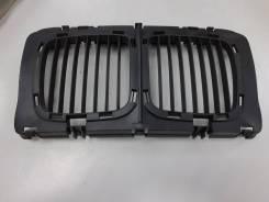 Решетка радиатора центральная BMW 5-Series e34 TYG BM07005GAC, передняя