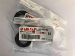 Сальник ведущей звезды Yamaha TTR250 93102 25226 Япония