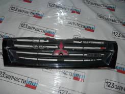 Решетка радиатора Mitsubishi Pajero V75W 2000 г