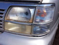 Фара Nissan Elgrand