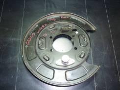 Suzuki Grand Vitara 2005-2015 г Щиток тормозного диска, Левый