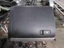 Бардачок VW Jetta 2011> (В Сборе 5C7857114E82V)