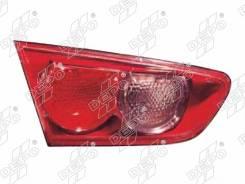 Вставка в крышку багажника Mitsubishi Lancer X 07-