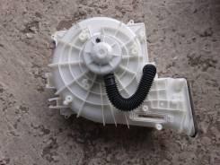 Мотор печки Nissan Bluebird Silphy 10