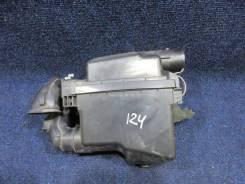 Корпус воздушного фильтра. Toyota Aqua, NHP10, NHP10H