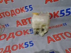 Бачок стеклоомывателя. Subaru Forester, SF5, SF9, SG5, SG9, SG9L Subaru Legacy, BD3, BD5, BD9, BG2, BG3, BG4, BG5, BG6, BG7, BG9, BGA, BGB, BGC Subaru...