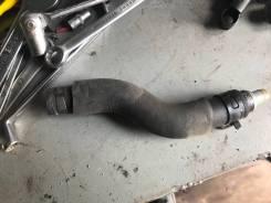 Патрубок с клапаном картерных газов