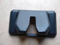 Накладка замка багажника Toyota Harrier / Lexus RX300;330;350