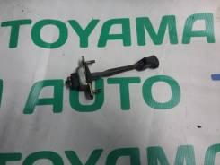 Ограничитель двери передний левый Toyota Land Cruiser Prado KZJ95