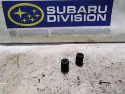 Отбойник капота Subaru Impreza GD GG